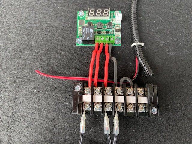 温度センサースイッチと端子台