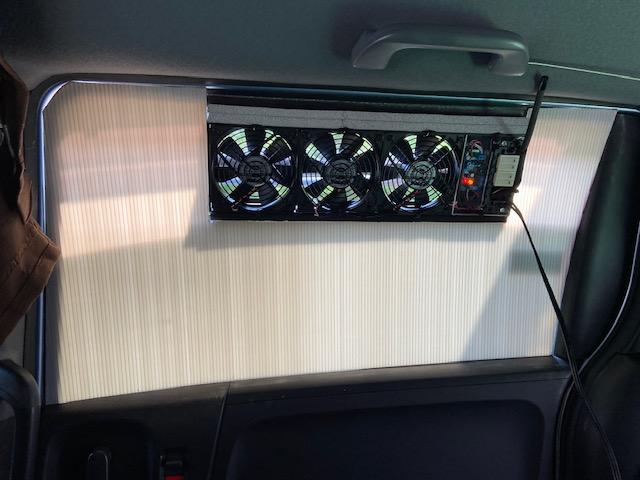 車中泊用換気扇1号機 内側