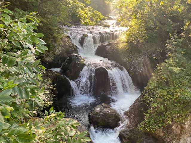 キャンプ場近くの三階滝公園に寄ります