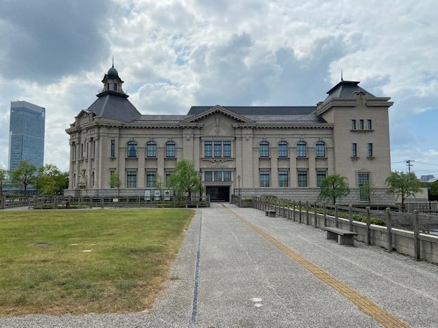 今度はトンネルを車で通って新潟歴史博物館にきました