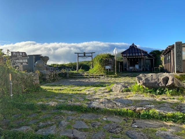 月山神社中之宮
