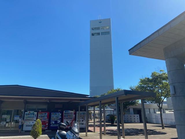男鹿半島の手前の道の駅てんのうにも展望タワーが
