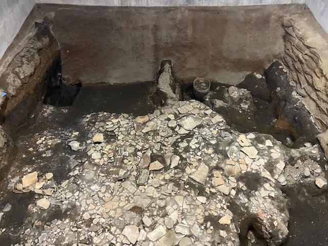 実際の発掘現場が建物の中に保存されてます