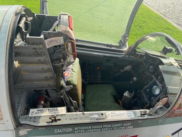 外の飛行機は一部操縦席に乗ることができます