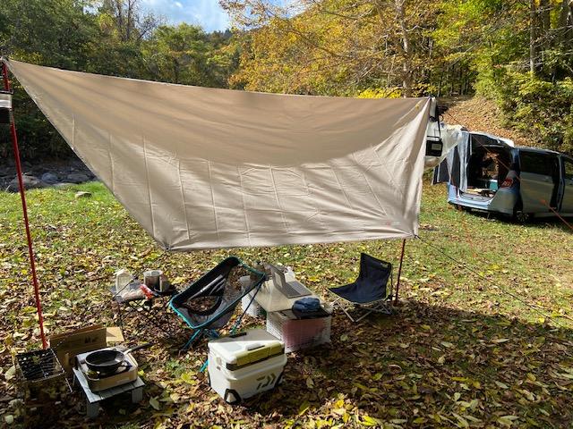 今日は天気も良いのでキャンプ場でゆったりでノマド風レイアウトです