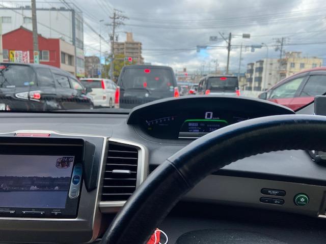 名古屋市内は 車・車・車です