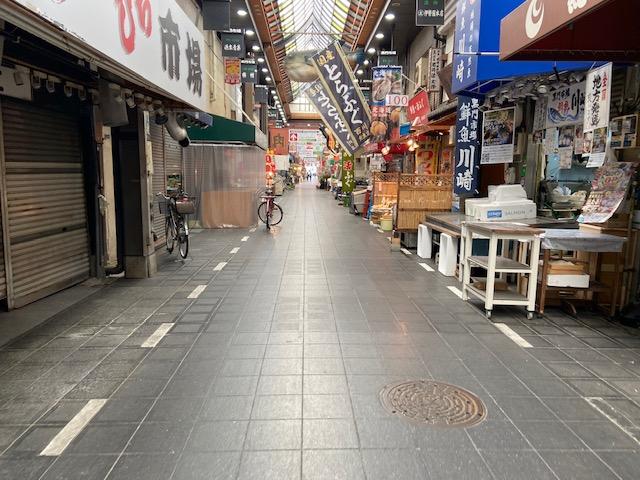 外国人で賑わってた黒門市場も人が少なくて、食べ歩きの食べ物が出てなくて腹減った〜です