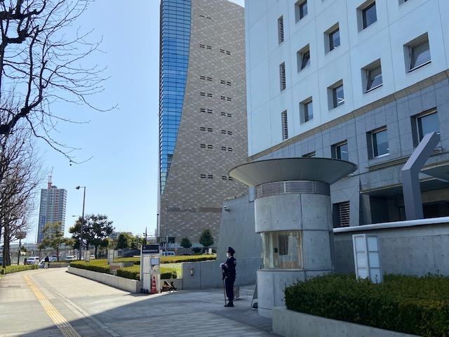 大阪城はいろいろ事件の多い大阪府警本部の横の大阪歴史博物館からみます