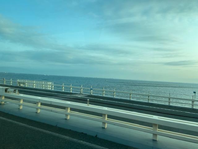 東京湾アクアラインを高速バスで40分くらいで羽田空港
