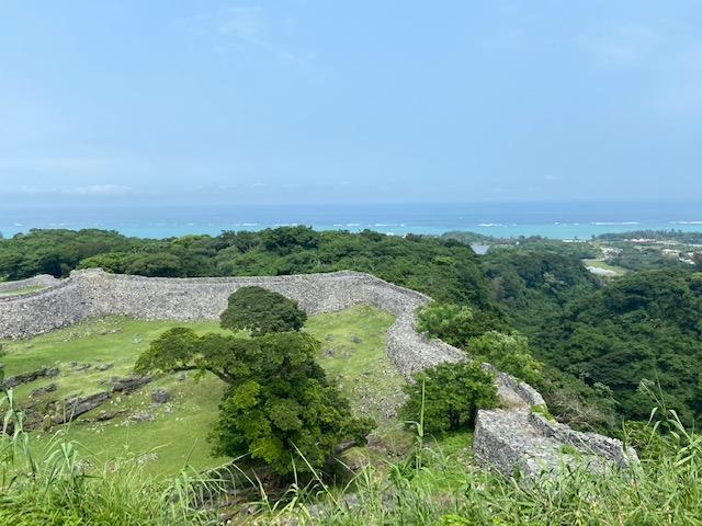 上からは城壁と海でいい景色が見れます